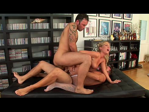 Blonde gets her ass screwed by two cocks and finds she likes it to die for