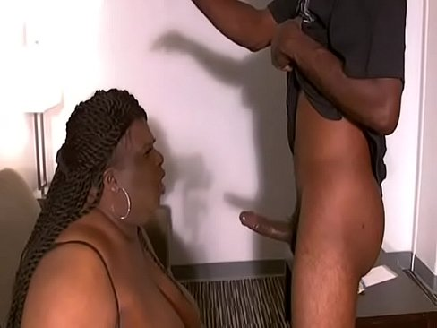 JuicyNikki  tries to swallow a BBC but gags