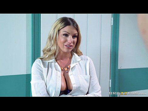 Film bokep Brazzers Teacher has threesome with two lucky students