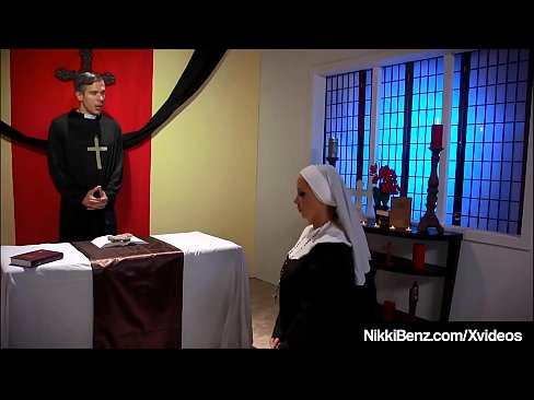 cover video Horny School Gi rls Nikki Benz And Jessica Jay And Jessica Jaymes Fuck Priest