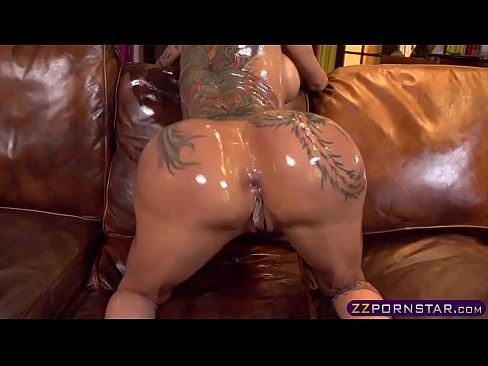 Oiled and pounded with white meat