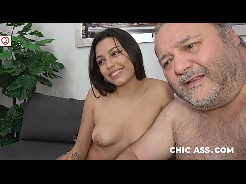 Clip sex 100% REAL: ONLINE DATE with Brunette Spanish Beauty Camila Palmer (Spanish Porn)! CHIC-ASS.com
