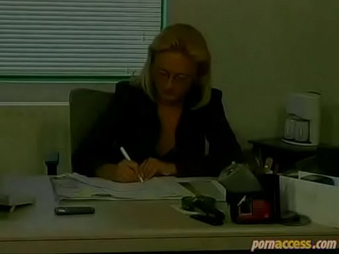 Clip sex Decent blonde wife with glasses cheats with her ugly colleague in office