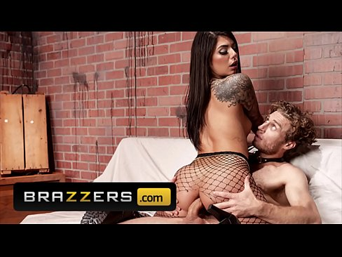 Clip sex Big Ass (Gina Valentina) Getting Her Pussy Wet By (Michael Vegas) - Brazzers