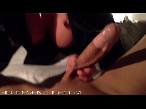 ONLYFANS - Bruce Venture gettin some head from a stripper
