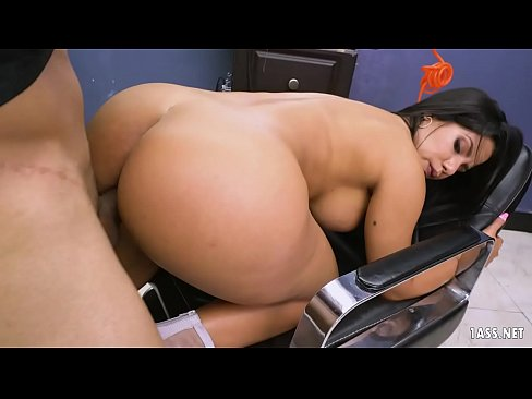 Big Latina Ass wrapped around a White Dong