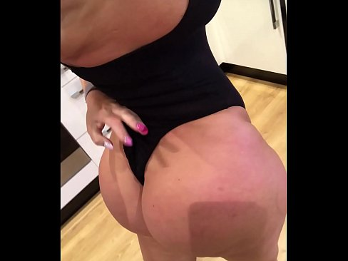 Bootylicious milf all about the ass go to TheSophieJames.com