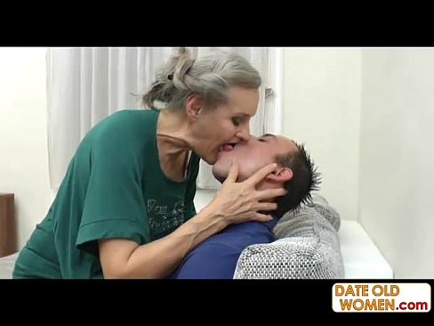 Tattooed gal Monroe Valentino gets her ass boned
