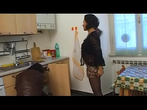 Stocking brunette housewife need sex