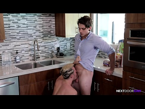 Straight Guy Collects Blowjobs & Barebacks Instead Of Rent