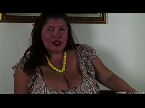 Clip sex Super cute chubby honey talks dirty and fucks her juicy pussy