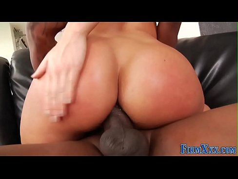 Babe interracial analized