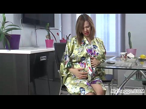 Clip sex Lina's Morning Interrupted by Painful Contractions!