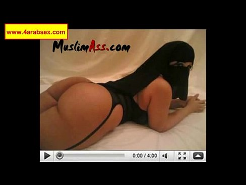 Kuwaiti girl just got married and she is already having anal sex with her new hu