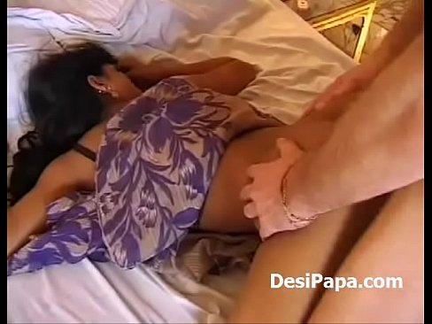 Indian Girl Making Love With White Men In Hotel