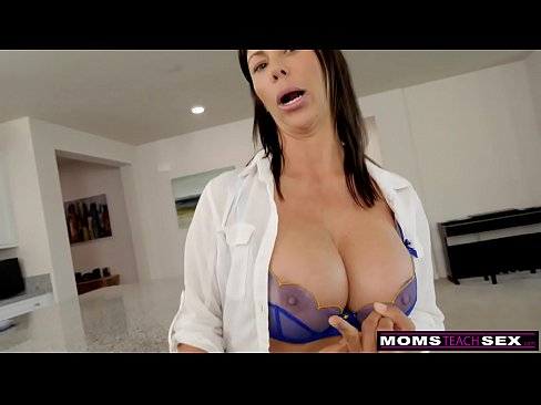 Clip sex Caught Spying On His Moms Big Boobs S10:E5