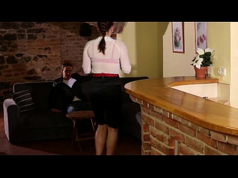 Clip sex DON'T TOUCH MY WIFE AND MY DAUGHTER FILM WITH MAX FELICITAS AND VALENTINA ROSS