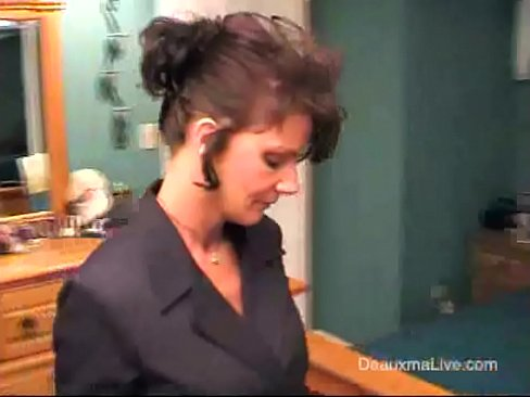 Deauxma Strip, Shower and Shave