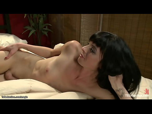 Shemale anal fist and fuck kinky couple