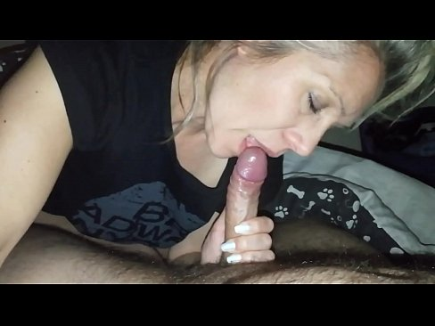 Clip sex hanysy hot 43 year old milf is doing a blow job cum in mouth