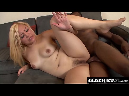 Clip sex Big ass Asian Tina Lee fucked in both holes passionately