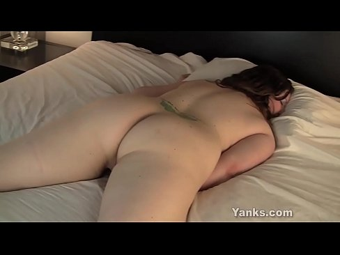 Amatuer girlfriend thong and ass piture