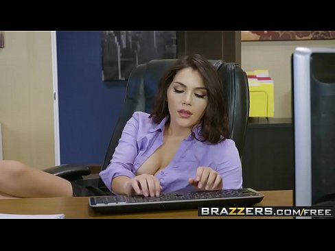 Clip sex Brazzers - Big Tits at Work - All Natural Intern scene starring Valentina Nappi and Michael Vegas