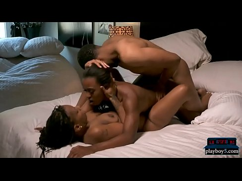 Ebony amateur threesomes