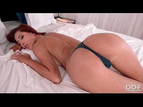 Fit 2 fuck Paula Shy peels off Booty shorts & fucks herself