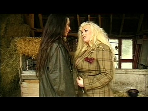 Clip sex Dirty wild sex in a barn for naughty farm girls