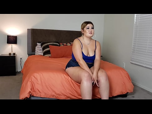 Foreign HUGE ASS curvy college girl twerks on my dick in her first ever porn!