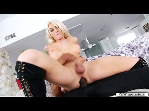 Sexy Tbabe throats and barebacked by bbc