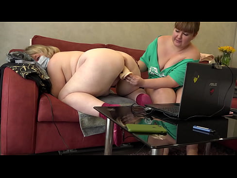 Clip sex Mature lesbians with gorgeous asses big tits plump bellies fuck each other in front of a web camera Homemade fetish