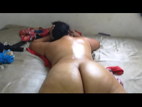 XVIDEOS Hire a massage service where they finished massaging me naked and enjoy while the masseuse saw me naked free