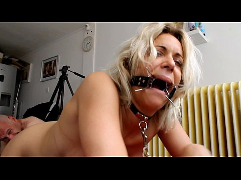 Blonde MILF loves to get kinky with Johnny Rockard's Thumb