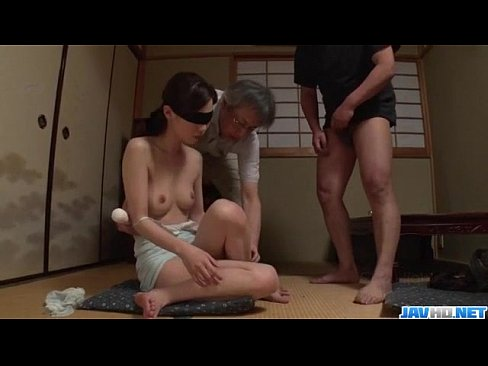 Misaki Yoshimura throats cock with her eyes covered ...