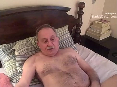 Uncut dick of grandpa sucking cool guys