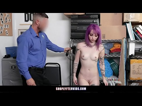 Clip sex Tatted Babe Caught Shoplifting Fucks To Avoid Jail