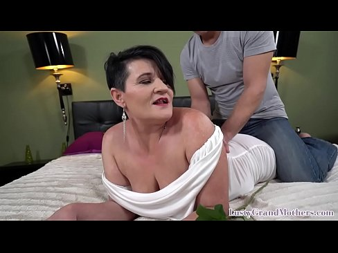 Bigtits grandma enjoy riding young shaft