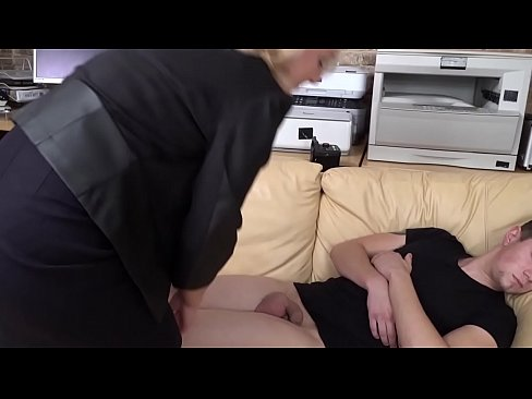 Linda eating cum from napping 19 year old