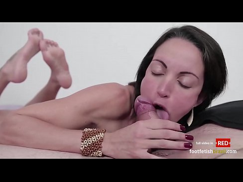 Elisa sexy blowjob in the pose and horny footjob with cum on her soles
