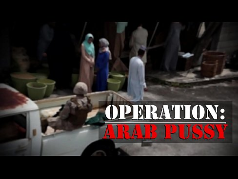 Clip sex TOUR OF BOOTY - Rag Tag Crew Of American Soldiers Pick Up Some Arab Pussy
