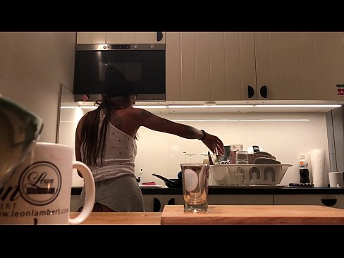 Clip sex Braless No Panties in the Kitchen finishes the Dishes
