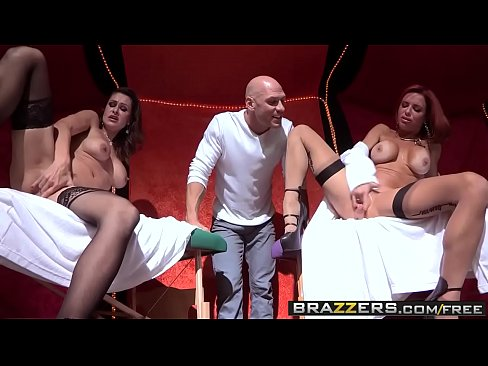 Brazzers – Shes Gonna Nice squirt – Nora Noir Veronica Avluv and Johnny Sins –  Circus Squirtus