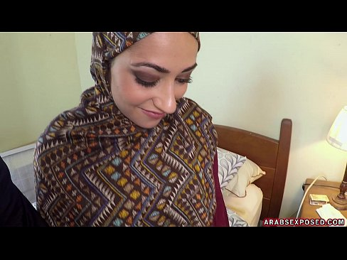 Arab Woman In Hijab: No Money, No Problem - Arabs Exposed (xc15339)'s Thumb
