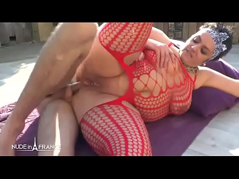BBW Amateur squirt french cougar sodomized and creamed outdoor