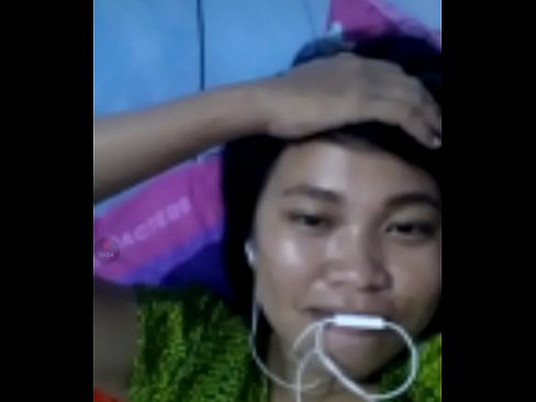 Nonton bokep Indonesian girl sri like to watch white dick