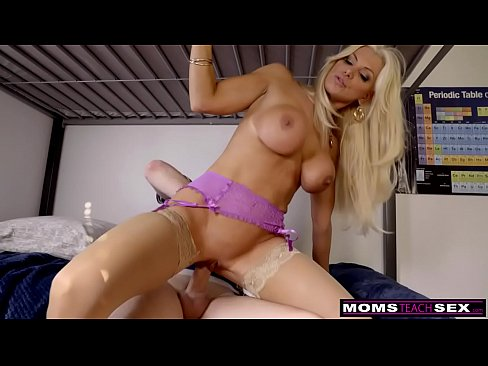 MomsTeachSex- Hot MILF Gets Stepson Ready To Go To College S10:E3