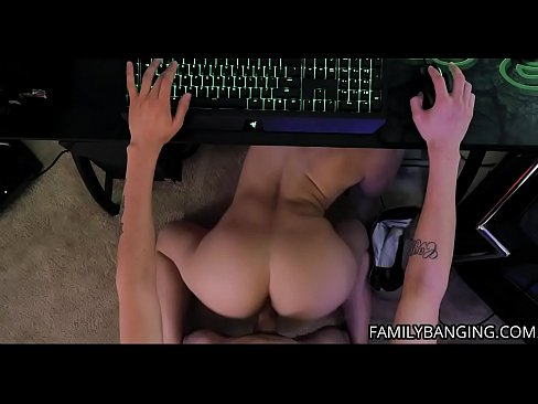 Clip sex Stepsister Teen Kenzie Madison Gets Her Pussy Fucked Hard By Her Stepbrother While He's Playing Video Games