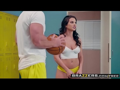 Brazzers - Sex pro adventures - (Keisha Grey, Johnny Sins) - Lick Me In The Locker Room - Trailer preview's Thumb